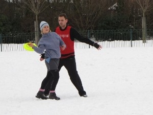 Ultimate Frisbee in the snow - Didsbury, Manchester